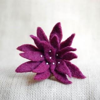 felted flower brooch making