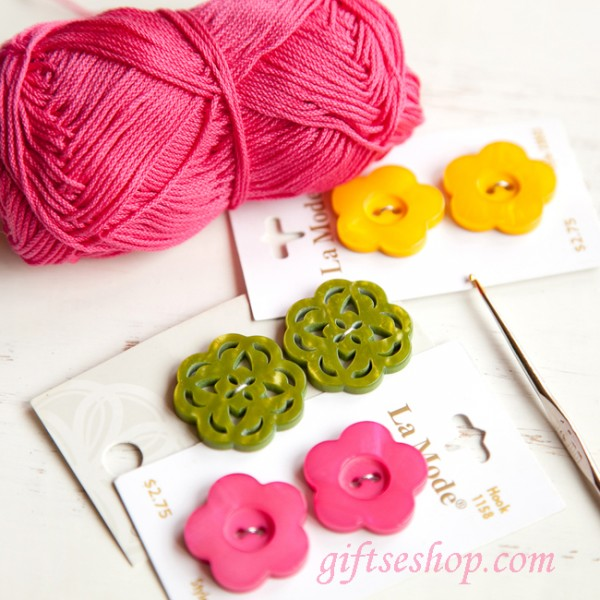 Crocheted Barefoot Buttons Sandals DIY Pattern Easy