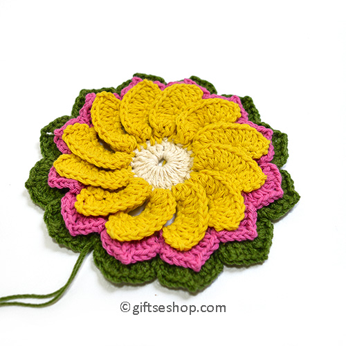 3 Layer Crochet Flower Pattern for Blanket or Pillow no106
